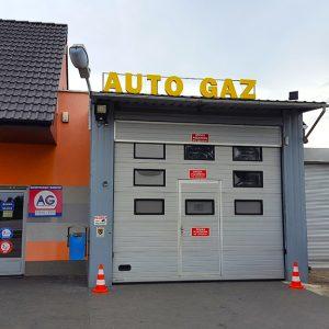 brama wjazdowa do warsztatu AutogazWiry