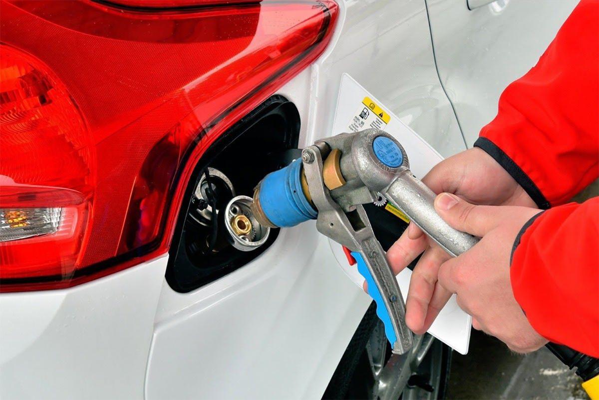 tankowanie gazu do auta